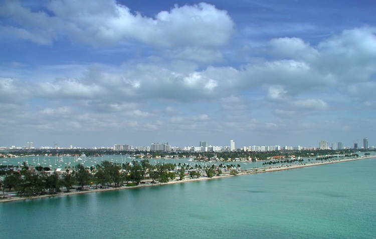 beautiful_miami_beach_skyline